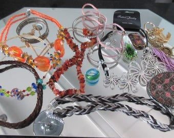 Mixed Lot (jlot6) ~ WEARABLE COSTUME JEWELRY ~ Mixed Metals / Stones