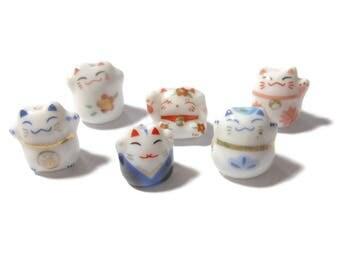 Maneki Neko beads, 6 piece lot, lucky cat beads, beckoning cats, ceramic small beads, Kawaii cat beads, porcelain beads, mixed lot