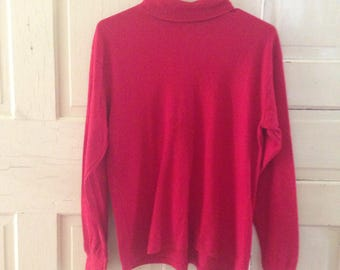 Vintage Red Turtleneck! Perfect to go under your Christmas sweater! Size Medium!!