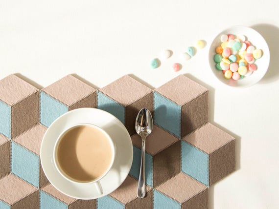 Felt placemats / pastel colors / geometric placemats / wool felt / modern home design / nordic design / modern home accessories
