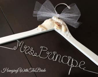 Beach theme hanger,bridal hanger, wedding hanger, bride gift, wire hanger, name hanger