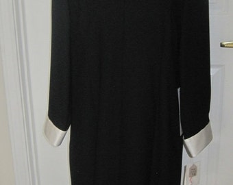 Black Special Occassion Dress, Creme Colored Cuffs, Vintage Clothing, Made Exclusively For Brownstone Studio New York, Made In USA, Size 14P