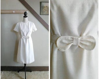 20% OFF / Pencil & Paper 1960s Cream Linen Short Sleeve Shift Dress with Bow Belt Detail