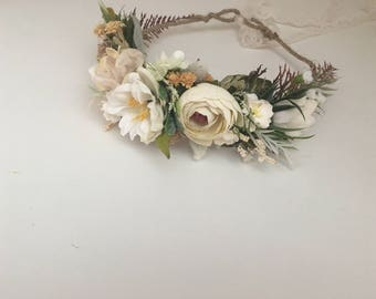 Ivory Flower crown- flower crown- Well dressed wolf- Ivory wild flower crown- Floral crown- Bridal Flower Crown- Flower Girl