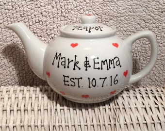 Personalised 5 cup teapot for an engagement, anniversary or marriage. Can personalise with any message or name.
