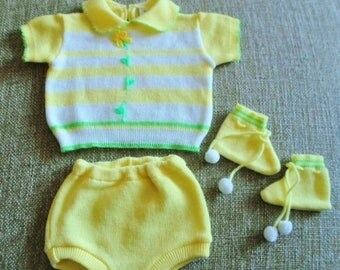 ON SALE Vintage Confetti 3 Piece Knit Outfit, Baby Girls Dress Size 0-3  Monthes, Lemon Yellow, Lime Green, Flower, Stripe, Made In Japan