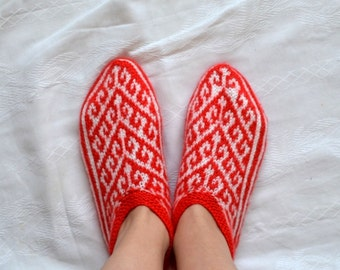 Womens slippers, Hand Knitted Turkish Socks Slippers, crochet womens slippers, knit home shoes, red and white knit socks slippers