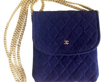 Vintage Chanel navy quilted jersey fabric mini pouch, coin purse, long necklace with golden chain and CC motif. Great gift Chanel jewelry