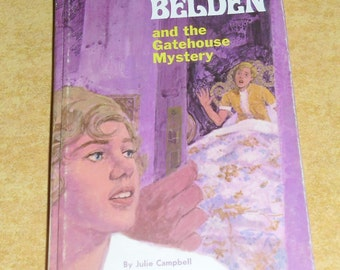 Vintage Book - Trixie Belden and the Gatehouse Mystery, #3 in the Series 1526, Julie Campbell, Whitman 1970, Cottage Decor, Prop