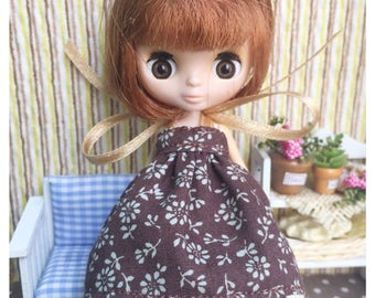 """Petite Blythe / Little Dal Outfit : """"Brown and Blossoms Dress"""" (Dress)"""