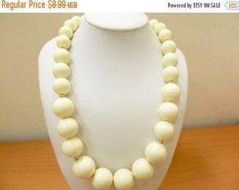 On Sale MONET Graduated Cream Colored Plastic Beaded Necklace Item K # 1171