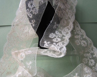 Antique Vintage French Valenciennes LACE Floral Design - 58 inch x 1.3/4 inch