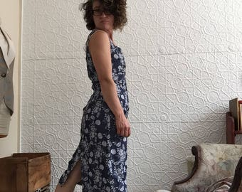 Vintage Denim Look Hourglass Tapestry Floral Wiggle Dress-1990's does 1950's Pin Up-Size Medium-Handmade-Shiny-Blue-Midi Dress-90s