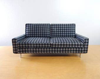 1:12 Scale Miniature Modern Houndstooth Sofa