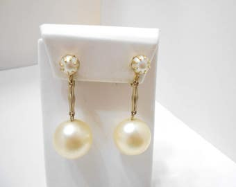 Gorgeous Vintage Faux Pearl Dangle Clip Earrings (2062)