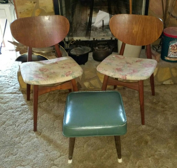 Two Vintage Danish modern chairs.  Mid century dining, office or side chairs.