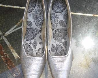 1950's vintage silver leather spike heeled pumps