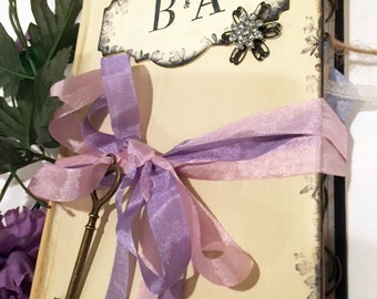 Lilac Wedding Guest Book in shabby chic vintage style