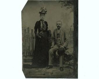Tintype 1/6 Plate Antique Portrait Photo: Couple, 1800s (611518)