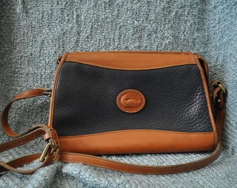 Dooney and Bourke navy and british tan pebbled leather shoulder bag