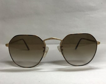 Retro brown vintage sunglasses by Logo Paris