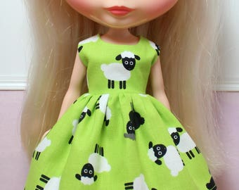 BLYTHE doll Its my party dress - sheep on bright green