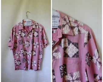 Sale Mens Hawaiian Shirt / Vintage Hawaiian Shirt / Pink Hawaii / Liberty House Shirt / Cooke Street Honolulu /  Mens Vintage Shirt S