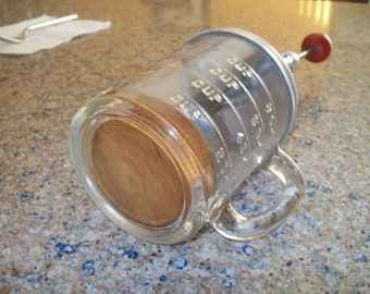 Mid century food chopper with glass measuring jar w/handle and wood block to protect glass