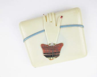 A Hand That Opens Itself - Cream-color Celluloid Case - Large 'Kansas City' Mark Inside - Divided Case - Cuff, Bracelet and Polished Nails