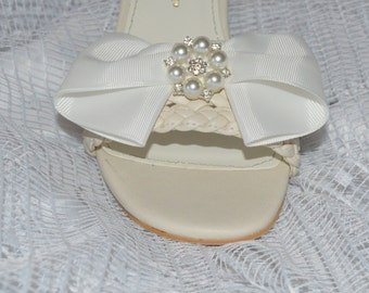 Bridal Wedding Shoe Clips Ivory Vintage look Rhinestone Bow