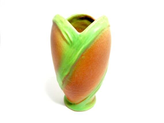 Weller Pottery Elberta Vase, Weller Vase, Weller Elberta, Dark Peach Green Vase, Weller Art Pottery, 1930s