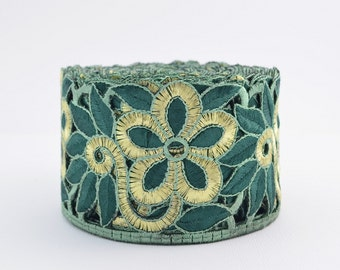 Gold Trim, Lace Trim, Embroidered Lace, Embroidery Lace Trim, Border, Indian Style, Filigree, Green, Gold - 1 meter