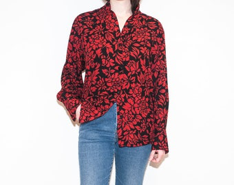 on sale - 80s black & red floral button-up / loose band collar blouse / size L