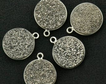 30% OFF Natural Platinum Druzy, Bezel Round Shape Connector, 14mm Round Silver Plated, Single Bail 1pc (MZ-11124)