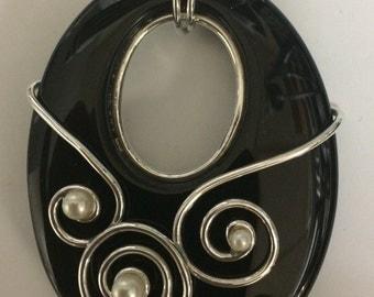 Black Onyx & Cultured Pearl Pendant