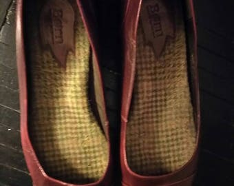 Vintage Born burgundy red leather slippers Hand crafted footwear. Women's US size 11 reg width.