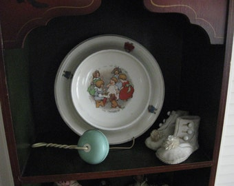 Baby Bowl - Vintage with a Todkins - Nursery Rhyme/Shabby Chic