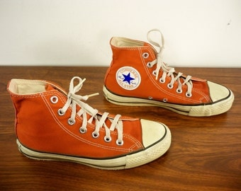 Vintage CONVERSE Chucks All Star Red Canvas High Top Men's Shoes Sneakers Kicks Made in USA Size 4.5