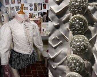 Men's Used Elizabeth/Renaissance Walter Raleigh Costume in Ivory Satin and Black Velvet