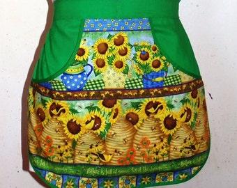 Gardening time  - Clothespin Apron, Gathering Apron, Farmhouse Classic