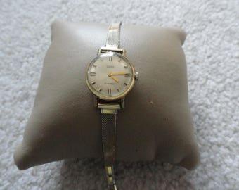 Swank 17 Jewels Vintage Wind Up Ladies Watch