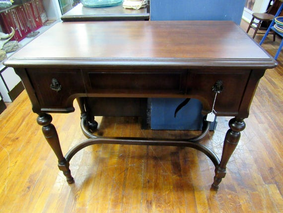 White Sewing Machine Co Mount Vernon library table