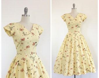 50s Butterfly Catcher Print Day Dress / 1950s Vintage Novelty Print Sun Cotton Day Dress / Medium / Size 8