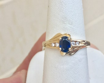 sapphire and diamond 14k yellow gold ring