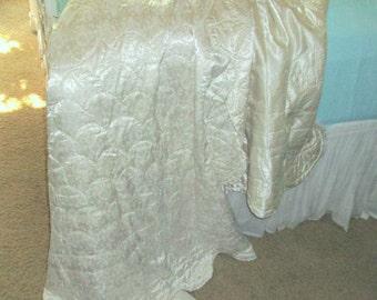 Vintage Hollywood Glam White on White Scalloped Satin Quilt Comforter Reverses