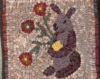 """Rug Hooking Pattern, Lilac the Spring Bunny, 8"""" x 8""""  P145"""