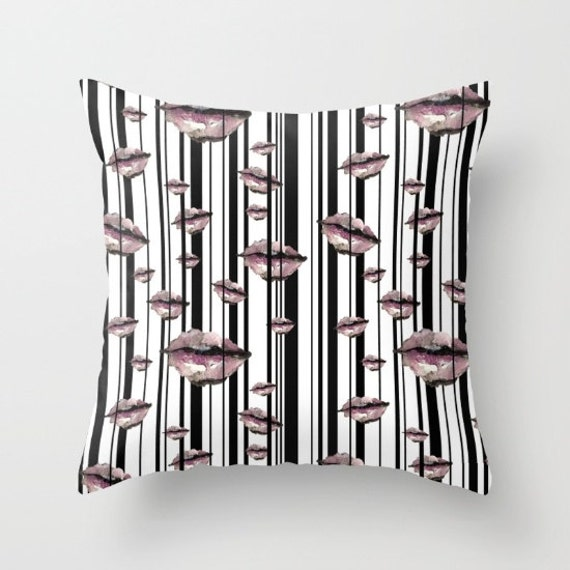 Zwolinska THROW PILLOW