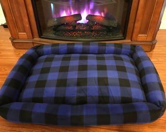Dark Blue Plaid Pet Bed