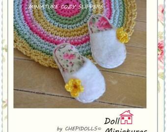 Miniature slipper, dollhouse warmer