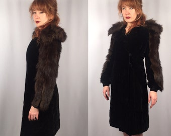Vintage 1930's 1940's velvet fur trimmed coat Size Small